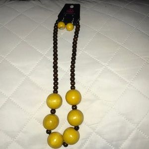 Yellow and brown beaded necklace w earrings